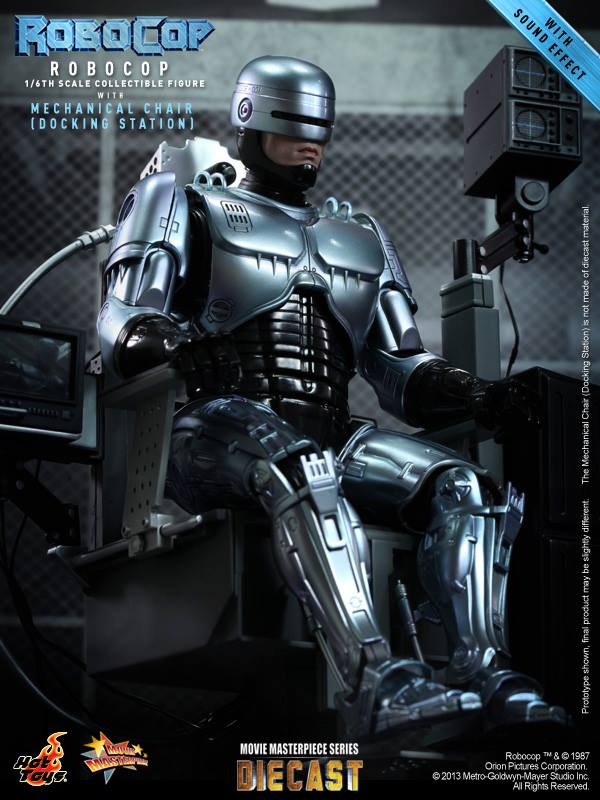 RoboCop with Mechanical Chair by Hot Toys
