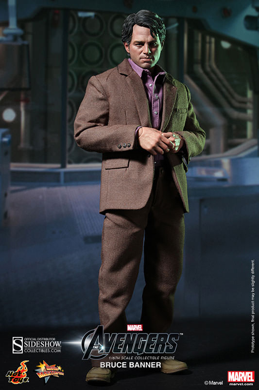 The Avengers Bruce Banner Sixth Scale Figure by Hot Toys