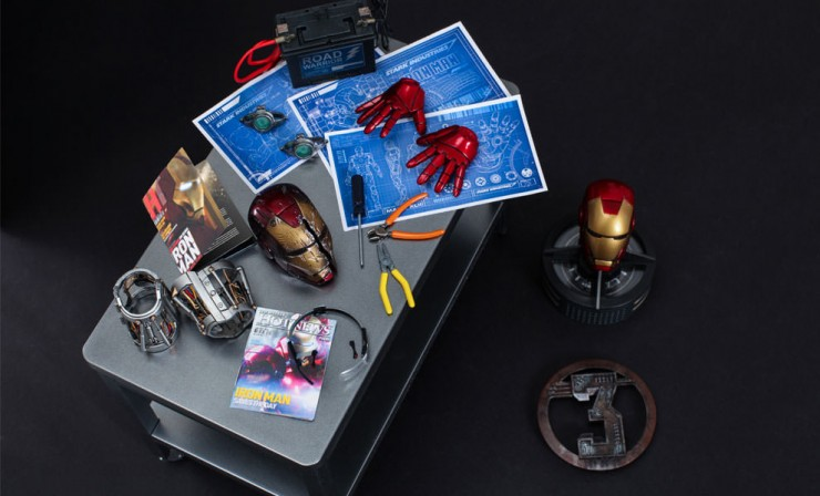 Iron Man Workshop Accessories Set by Hot Toys