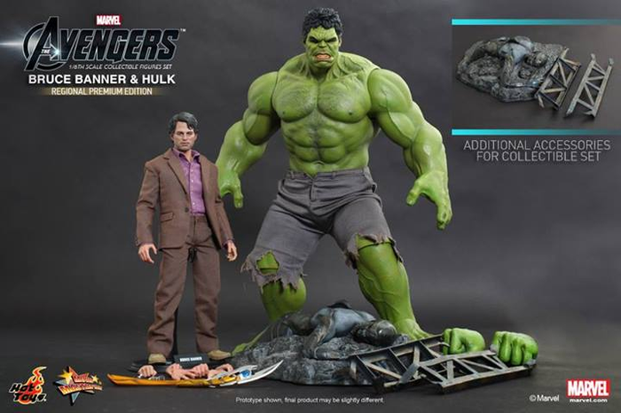 The Avengers Bruce Banner And Hulk Figure Set by Hot Toys