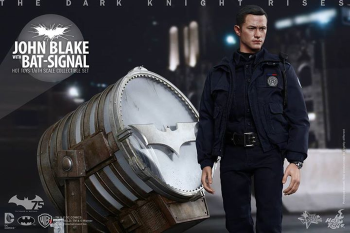 The Dark Knight Rises John Blake with Bat Signal Hot Toys