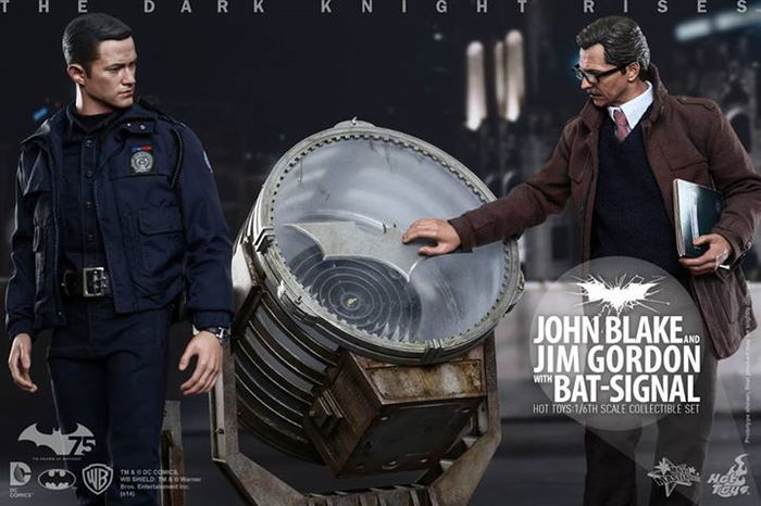 The Dark Knight Rises John Blake Jim Gordon Bat Signal Hot Toys
