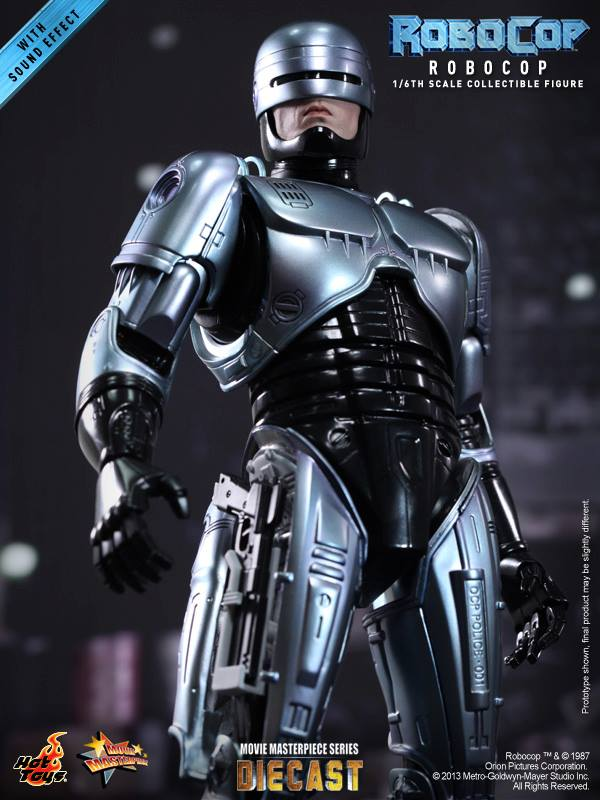 RoboCop by Hot Toys Die-Cast Figure